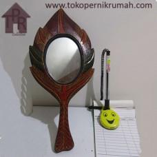 Kayu Batik, Cermin Gagang Merah/Hitam Daun