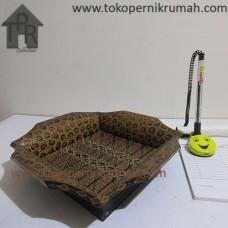 Bambu Batik, Nampan Kotak Krem