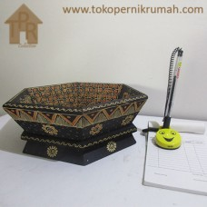 Kayu Batik, Wadah Buah Segi 6 - Hitam/Creamy