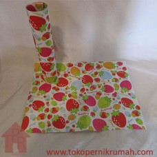Kertas Kado, Motif Strawberry